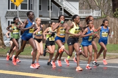 Remaining women runners in front